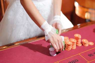 Unique Events How to Plan Your Casino-Themed Wedding